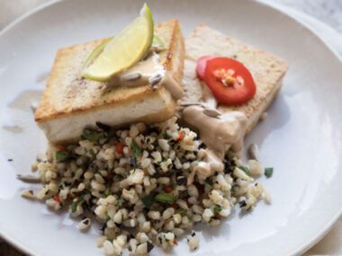 Receta Vegana: Filetes de tofu con salsa de mantequilla de girasol