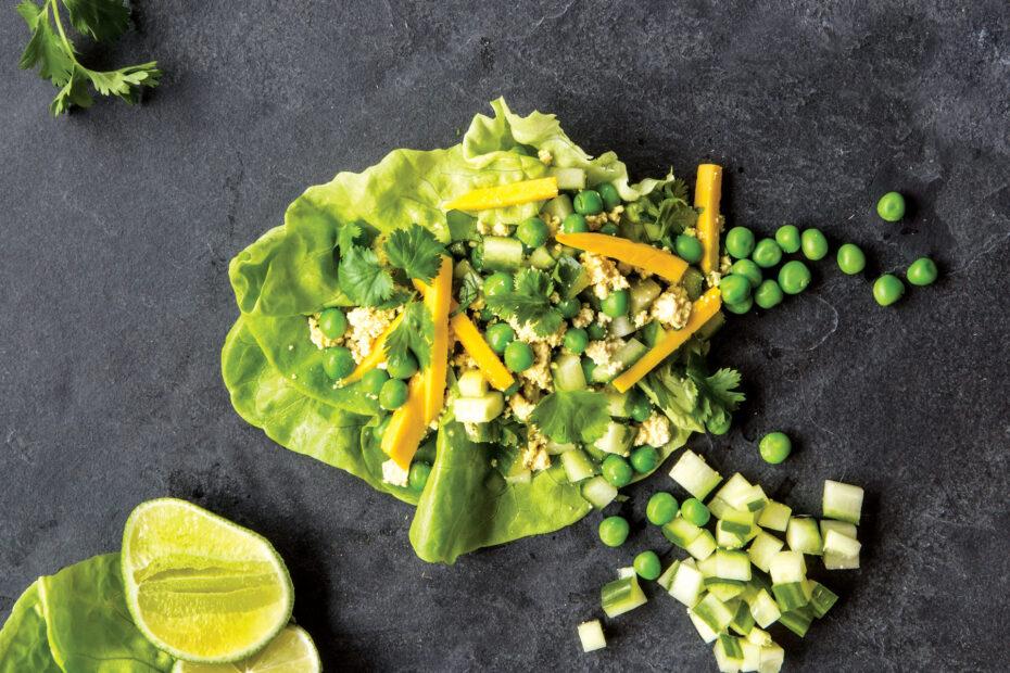 Receta Vegana Tazas de lechuga de tofu molido de curry verde
