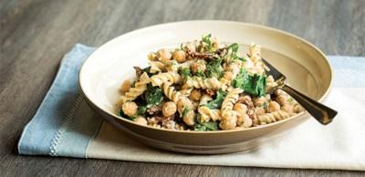 Receta Vegetariana: Pasta de garbanzos con salsa cremosa de coliflor